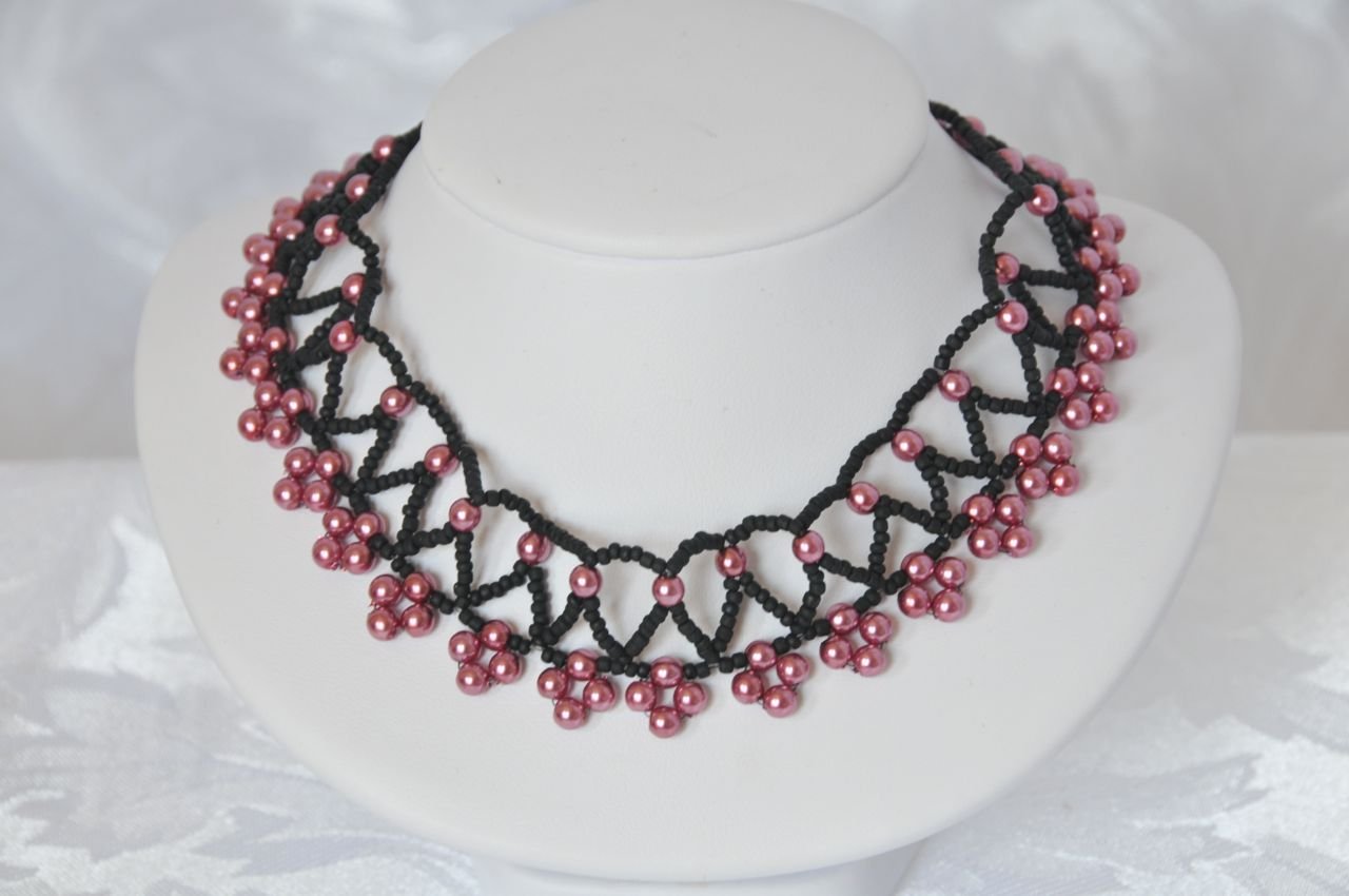Beaded Jewelry, beaded necklace, woven jewelry, glass pearls